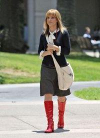 С чем носить красные сапоги 3