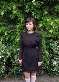 Школьное платье с фартуком 10