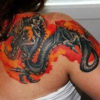 девушка с тату дракона9