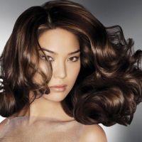 Как придать блеск окрашенным волосам