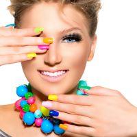 Маникюр разными лаками на разных ногтях