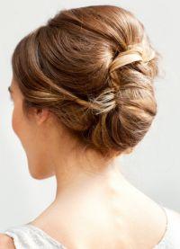 прическа с валиком для волос 9