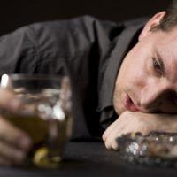 Какие таблетки пить от похмелья