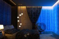 обои синего цвета для спальни 2