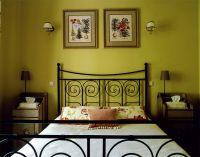 оливковый цвет в интерьере спальни2