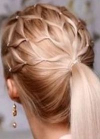 прически с резинками для волос 5