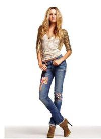 С чем носить синие джинсы 4