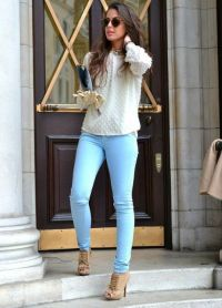 С чем носить синие джинсы 6