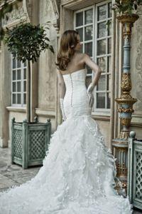 шикарные свадебные платья со шлейфом 1