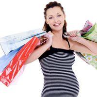 Когда начинать покупать вещи для новорожденного
