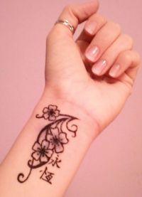 Татуировки для девушек на запястье 2