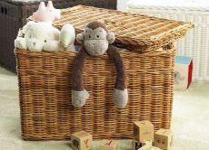 плетеные корзины <u>делают</u> для хранения
