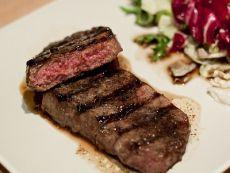 как приготовить антрекот из говядины на сковороде