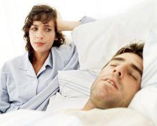 Человек скрипит зубами во сне