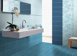 Укладка плитки в ванной на стену