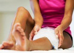 Боль над коленной чашечкой при сгибании и под коленом причины и лечение