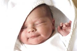 Сон новорожденного ребенка до 1 месяца