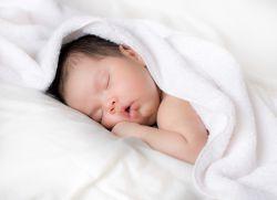 Как должен спать ребенок в 2 месяца