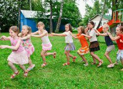 Массовые игры для детей на улице летом
