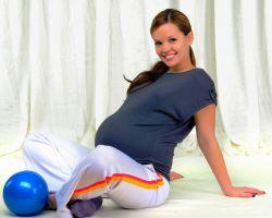 Можно ли делать приседания во время беременности