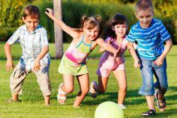 Эстафеты для детей на улице летом
