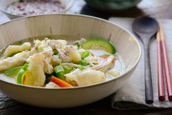 Как приготовить куриный суп с картофельными клецками
