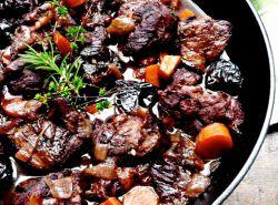 тушеное мясо с черносливом