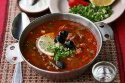 Сборная мясная солянка с картошкой – рецепт