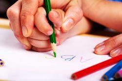 Как научить правильно держать карандаш