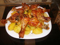 Картошка и куриные ножки в духовке