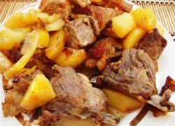 жаркое из свиных ребрышек с картошкой