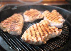 как правильно пожарить мясо на сковороде гриль