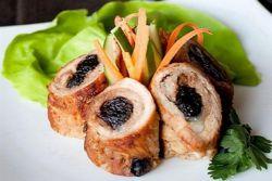 Как приготовить рулетики из свинины с черносливом