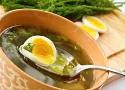 зеленый борщ со щавелем и яйцом рецепт
