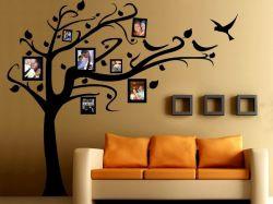 Дерево на стене с фотографиями