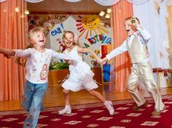 Детские подвижные игры в помещении