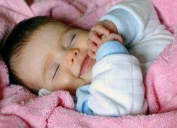 Ребенок на втором месяце жизни