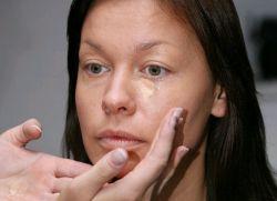 Как накрасить лицо тональным кремом