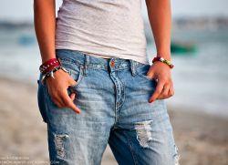 Как сделать потертости на джинсах своими руками