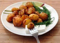 Як запекти картоплю в мікрохвильовці?