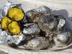 Запечена на вугіллі картопля