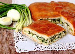 Пиріг з яйцями і зеленим цибулею