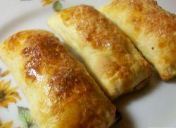 Пиріжки з листкового тіста з капустою