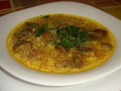 грибной суп из шампиньонов с перловкой