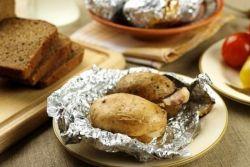 картофель запеченный с салом