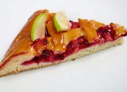 пирог с брусникой и яблоками