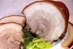 рулет из свиного сала