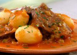 свинина тушеная с овощами и картофелем