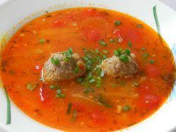 томатный суп с фрикадельками и рисом