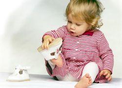 Первая обувь для малыша как выбрать